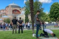 Ayasofya Camisi 'çekim merkezi' oldu