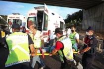 İstanbul'da yolcu otobüsü yoldan çıktı! Çok sayıda ölü ve yaralı var!