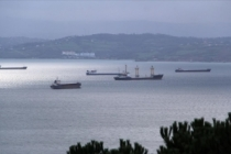 Gemiler Sinop Limanı'na sığındı