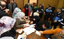 Esenyurt'ta Suriyelilerin ülkelerine dönüş kuyruğu