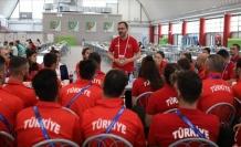 Bakan Kasapoğlu'ndan sporcu köyüne ziyaret