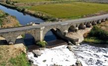 Tarihi köprüde restorasyon zamanı
