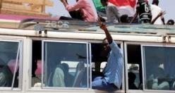 Sudan'da meydanların tansiyonu düşmüyor