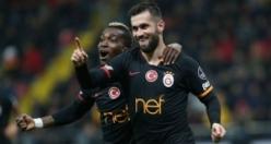 Galatasaray'da iki ismin üstü çizildi!