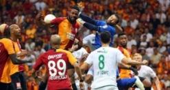 Galatasaray'ın yıldızları yolcu: 'Kendine kulüp bul'