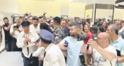 Beyrut'taki hayranları AVM'yi kapatınca Burak Özçivit askerler eşliğinde içeriden çıkarıldı