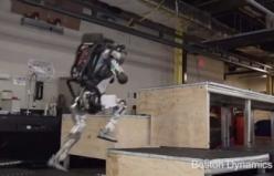 Boston Dynamics robotundan muhteşem parkur performansı