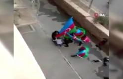 Şehit annesinin ayağını öptüler
