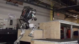 Boston Dynamics robotundan muhteşem parkur performansı