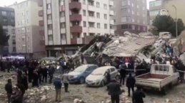 Kartal'da 7 katlı bina çöktü