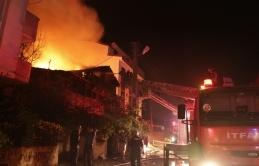 Kocaeli'de evde çıkan yangın, 2 ölü, 3 yaralı