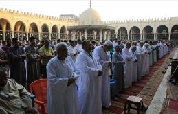 Mısır'da Ramazan'da camilerde Teravih'e izin verildi