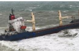 Şile'de kargo gemisi karaya oturdu; 16 mürettebat...
