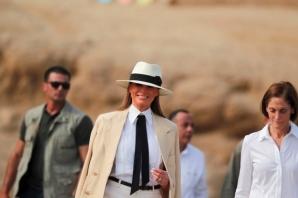 First Lady Melania Trump'ın Mısır'da giydiği olay kıyafet