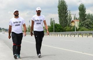 CHP'li belediyeyi protesto eden işçilerin yürüyüşü...
