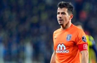 Emre Belözoğlu kontratını bir yıl uzattı