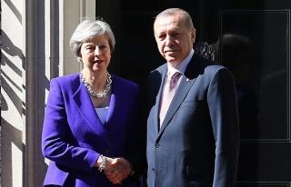 Başkan Erdoğan, İngiltere Başbakanı May ile telefonda...