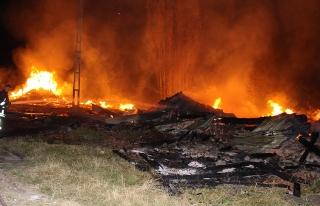 Kastamonu'da bir evde çıkan yangın 8 ocağı söndürdü