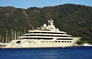 Arsenal'in patronu 600 milyon dolarlık yatıyla Marmaris'te