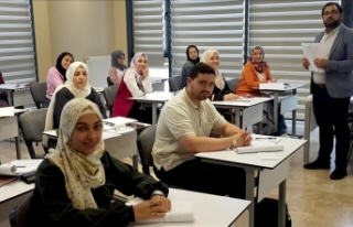 Arap öğrenciler ana dillerini Türkiye'de geliştiriyor