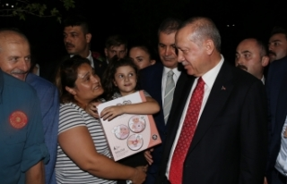 Başkan Erdoğan, piknik yapan vatandaşlarla sohbet...