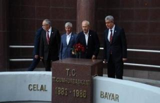 Kılıçdaroğlu, Celal Bayar'ın mezarını...