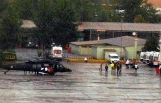 Özel harekat polislerini taşıyan zırhlı araç...