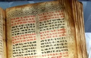Ceylan derisine yazılı İbranice tarihi kitabı...