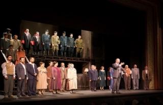 """Devlet Tiyatroları """"Reis Bey""""le perde açtı"""