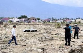 Endonezya'da depremin bilançosu ağırlaşıyor