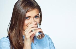 Günde 11 bardak su şart