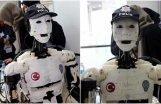 Robocop 'Yiğido' ilgi odağı oldu