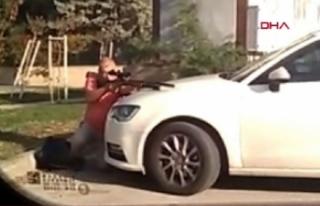 Antalya'da kan donduran görüntü! Tek tek vurdu