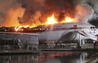 Uçak restoran alev alev yandı