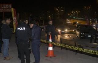 Ankarada'da silahlı saldırı... Yürürken...