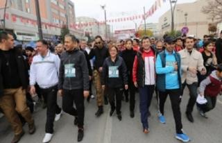 Büyükşehir Belediyesi'nden Gazi Yarı Maratonu
