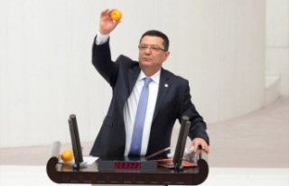 CHP'li vekil kürsüye portakal, mandalinayla...