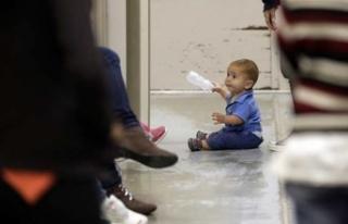 Göçmen çocuklara sınırda sağlık kontrolü