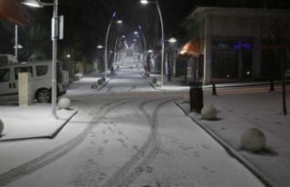 Kar Trakya'dan giriş yaptı... İki ilçede...