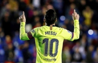 Messi La Liga'da gol krallığı yarışında...