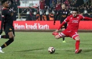 Galatasaray'a gol atamadı, takımdan kovuldu!