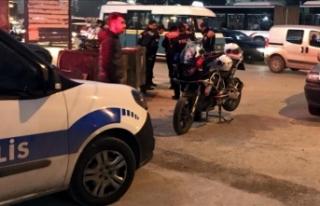 İzmir'de trafik polisi otomobilin çarpması...
