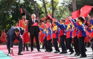 'Maduro kardeşim! Dik dur, yanındayız'