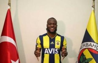 Moses resmen Fenerbahçe'de... İşte anlaşma...