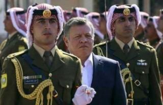 Ürdün'de kabine değişikliğine Kral'dan...