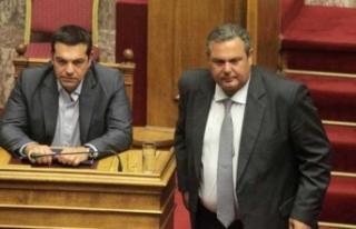 Yunanistan'da siyaset paramparça! Muhalefet de...