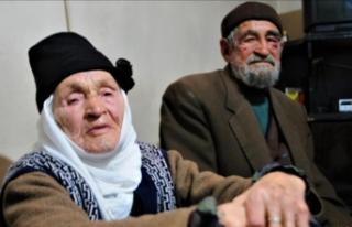 70 yıldır evli olan çifti gençlerle buluşturdular