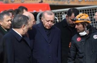 Cumhurbaşkanı Erdoğan enkaz bölgesinde bu mesajı...