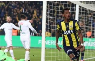 Kadıköy'de kırmızı kart ve gol sesi