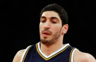 New York Knicks FETÖ'cü Enes'i gönderdi